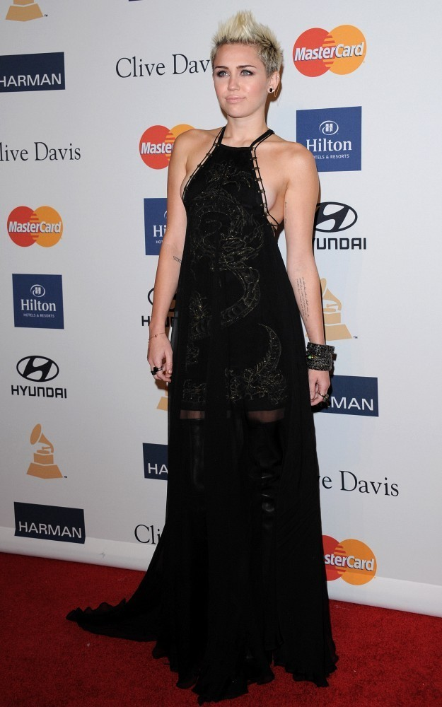 More Pics of Miley Cyrus Halter Dress (8 of 10) - Miley ... Miley Cyrus Grammys 2013