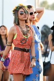 Sarah Hyland was a cutie in a red print crop-top by MINKPINK during day 2 of Coachella.