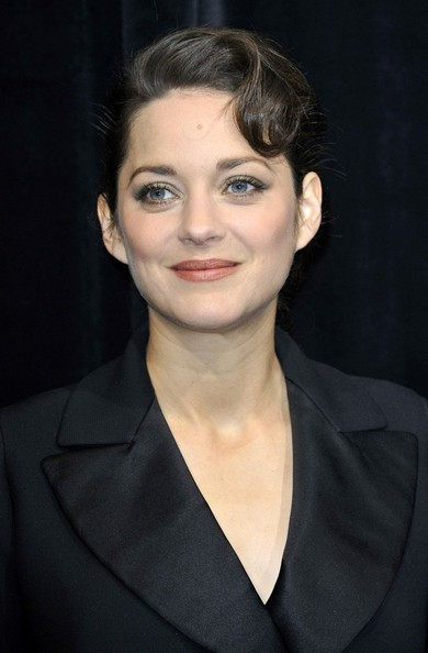 More Pics of Marion Cotillard Evening Coat (3 of 12) - Marion Cotillard Lookbook - StyleBistro