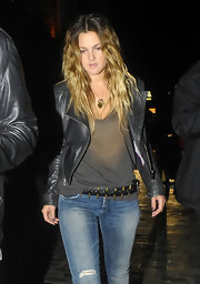 Drew rocked an edgy bullet-studded leather belt with a jeans, a t-shirt and a black leather jacket.