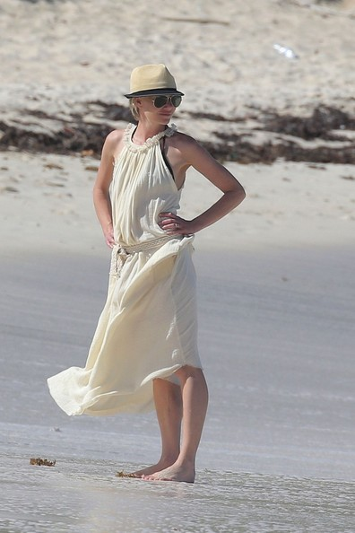 Ellen and Portia on the beach