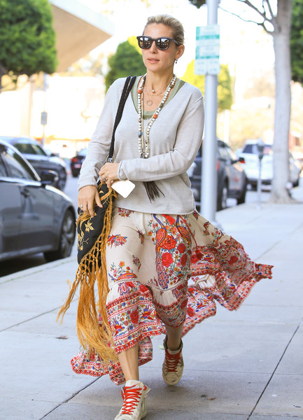 More Pics of Elsa Pataky Leather Sneakers (3 of 6) - Athletic Shoes Lookbook - StyleBistro []