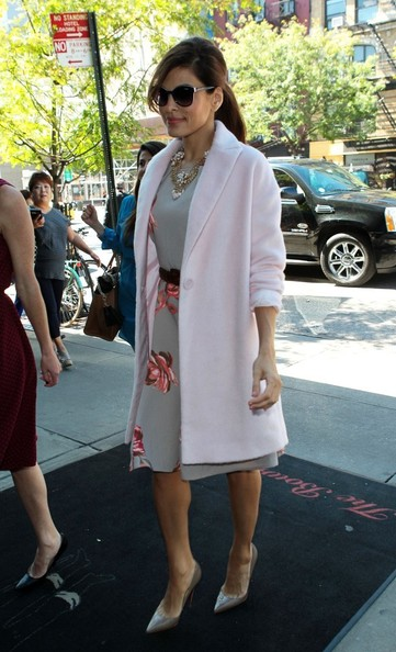 More Pics of Eva Mendes Wool Coat (1 of 10) - Wool Coat Lookbook - StyleBistro