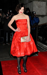 Elizabeth McGovern turned heads at the 2012 Evening Standard British Film Awards in an ultra-elegant strapless red dress.