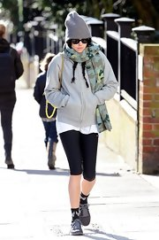 Eliza Doolittle looked ready for the gym with this gray zip-up jacket.
