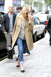 Fearne Cotton embraced the fall breeze in a classic camel trench.