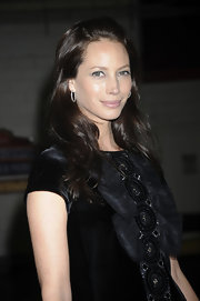 At the Food Bank for NYC Awards, supermodel Christy Turlington kept things classic with a lovely pair of silver hoops.