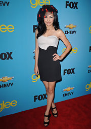 Naya Rivera donned sweet black peeptoe pumps adorned with flowers to the premiere of 'Glee.'