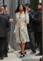 Gabrielle Union arrived for her 'Jimmy Kimmel' appearance wearing a geometric-print coat by Raquel Allegra.