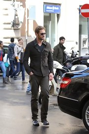 Gerard Butler chose a gray fitted jacket for his casual but stylish look while out in Rome.
