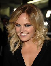 Malin Akerman added a simmering touch to her look with exaggerated smoky shadow. The dark hut really made her blue eyes pop.