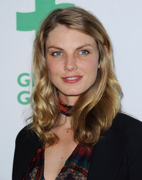 More Pics of Angela Lindvall Medium Wavy Cut (5 of 11) - Shoulder Length Hairstyles Lookbook - StyleBistro