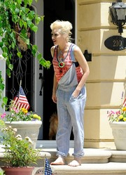 Gwen Stefani must have found fashion inspiration from her three boys when she wore these overalls during the Fourth of July.