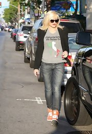 Gwen stuck to classic jeans with whisker-wash detailing for her look while out in California.