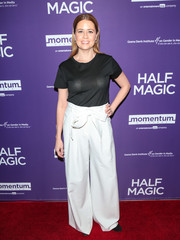 Jenna Fischer dressed down in a plain black tee for the premiere of 'Half Magic.'