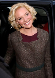 Katherine Heigl wore her short layered bob in springy spiral curls during an appearance on the 'Today' show.