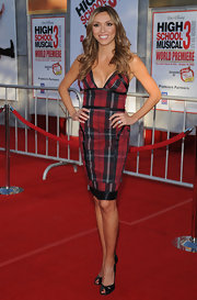 Giuliana completed her plaid look with black peep-toe pumps and a red pedicure.