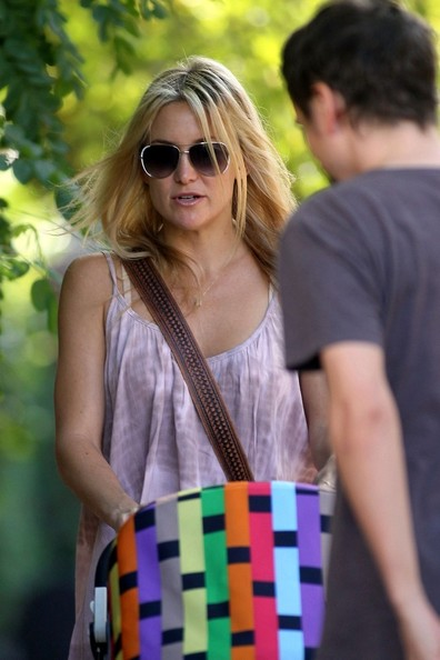 More Pics of Kate Hudson Aviator Sunglasses (5 of 5) - Aviator Sunglasses Lookbook - StyleBistro