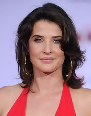Cobie Smulders kept her makeup look on the minimal side with this barely-there lip gloss.