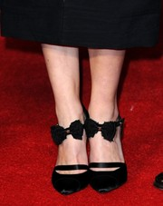 Keira Knightley wore cute bow-accented pumps by Chanel to the London premiere of 'Jack Ryan: Shadow Recruit.'