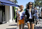 Jada Pinkett Smith cleverly paired her sharp satin blazer with hot short shorts.