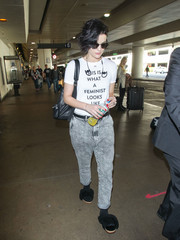 Jaimie Alexander was all about girl power in her Prabal Gurung slogan tee while catching a flight.