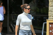 Jennifer Garner Strappy Sandals