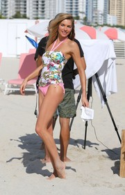 Jessica Hart looked appealing in a printed tankini while doing a photoshoot for Victoria's Secret.