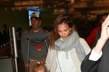 Jessica Alba Cash Warren Jessica Alba Spotted at LAX