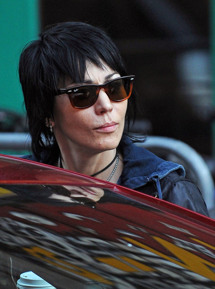 More Pics of Joan Jett Wayfarer Sunglasses (1 of 4) - Joan Jett Lookbook - StyleBistro