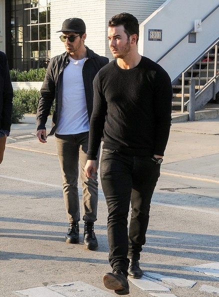 The Jonas Brothers Get Lunch with Friends