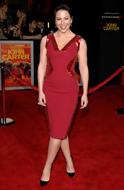 Lynn Collins was red hot in this saucy sheath dress at for the 'John Carter' premiere.