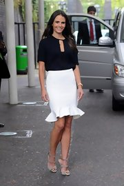 Jordana looked exquisite for her 'Dallas' promo in this streamlined white skirt with a fun hem ruffle.