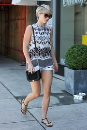 Julianne Hough kept the laid-back look going with a pair of black T-strap sandals.