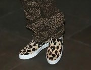 Justin Bieber wasn't afraid to grab some attention while out in London. The singer donned leopard print pants AND leopard print shoes.
