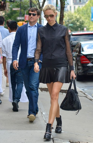 More Pics of Karolina Kurkova Flat Boots (2 of 20) - Karolina Kurkova Lookbook - StyleBistro