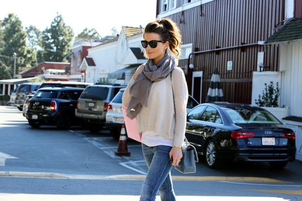 More Pics of Kate Beckinsale Solid Scarf (3 of 14) - Solid Scarf Lookbook - StyleBistro