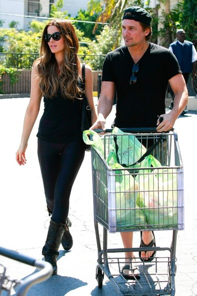 Kate Beckinsale and Len Wiseman Grocery Shop