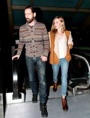 Kate Bosworth finished off her menswear-inspired look with a pair of brown leather slip-on shoes.