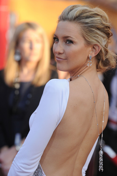 Kate Hudson Diamond Chandelier Necklace []