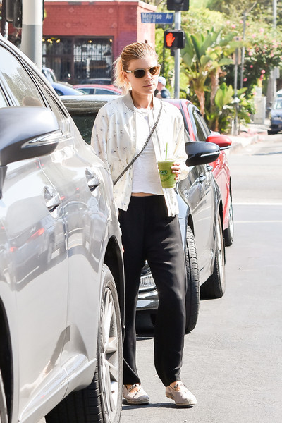 More Pics of Kate Mara Slacks (1 of 12) - Pants & Shorts Lookbook - StyleBistro