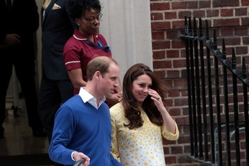 Kate Middleton Prince William Prince William and Prince George Arrive at the Lindo Wing