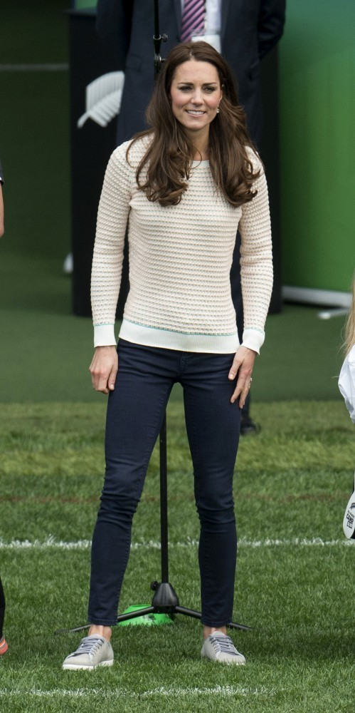 Kate Middleton Tops Crewneck Sweater Dxdweofhes2x Jpg