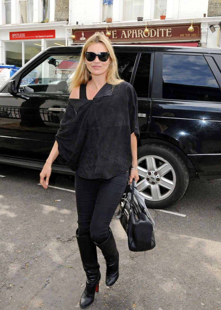 Kate Moss Fitted Blouse Kate Moss Looks Stylebistro