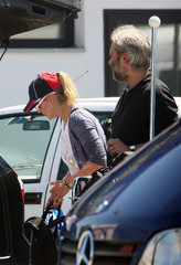 Kate Winslet Sam Mendes Kate Winslet Arrives in Italy With Her Family