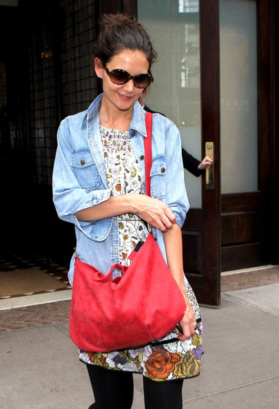 More Pics of Katie Holmes Leather Messenger Bag (1 of 5) - Leather Messenger Bag Lookbook - StyleBistro