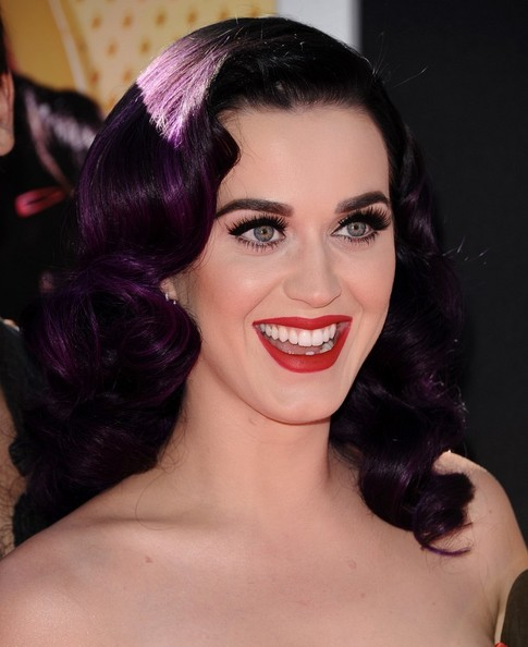 Katy Perry Red Lipstick []