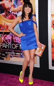 Carly Rae Jepsen was a doll at the 'Katy Perry: Part of Me' premiere in this royal blue cocktail dress and neon heels.