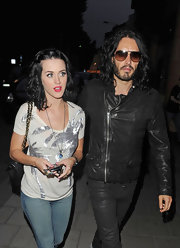 Katy went semi-casual with a metallic, tropical-printed tee.