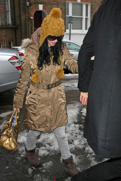 More Pics of Katy Perry Earflap Wool Cap (1 of 14) - Katy Perry Lookbook - StyleBistro